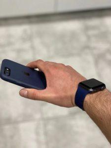 apple watch szilikon szíj kobalt kék színben