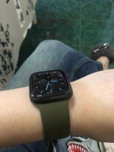 apple watch szilikon szíj khaki színben